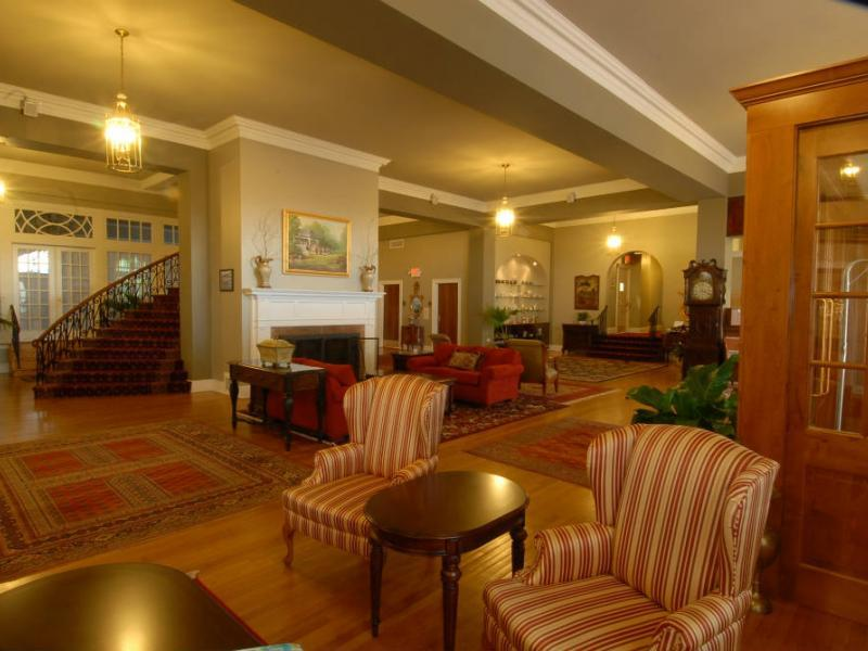 Mimslyn Inn lounge