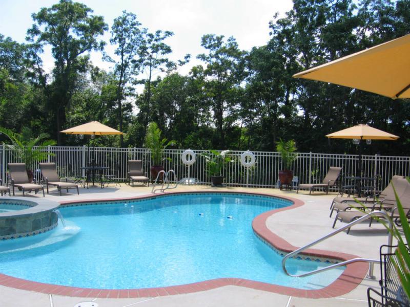 Mimslyn Inn Pool